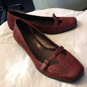 "Wine leather shoes by Born ""Hand crafted"""